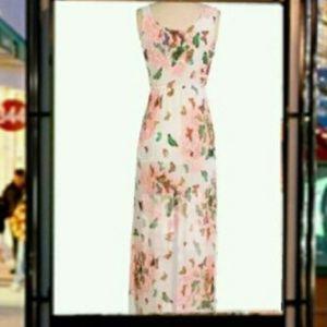 Dresses & Skirts - NWOT Pink chiffon dress